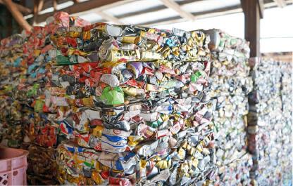 空き缶資源の保管